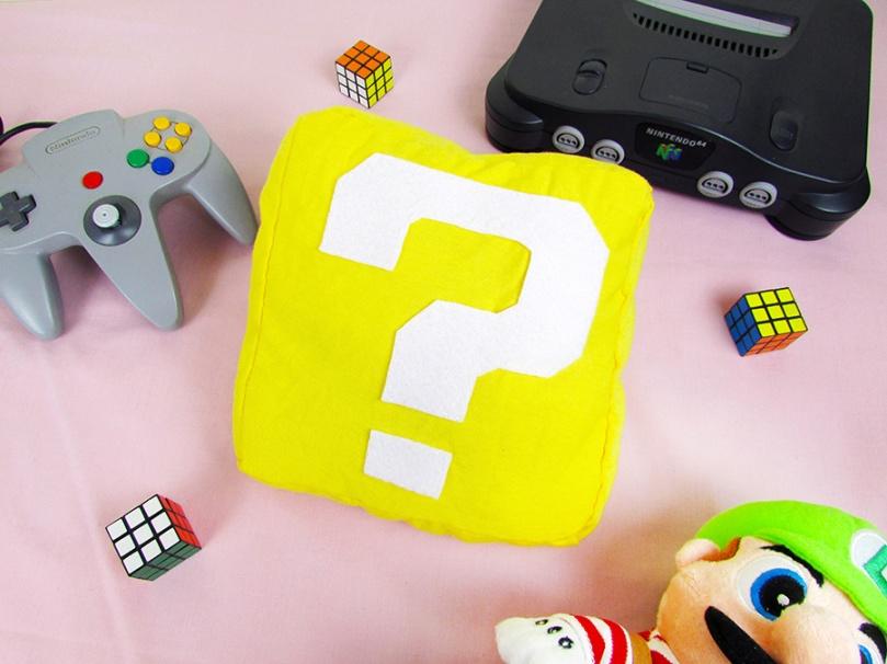 DIY Mario Question Block Pillow thesmalladventurer