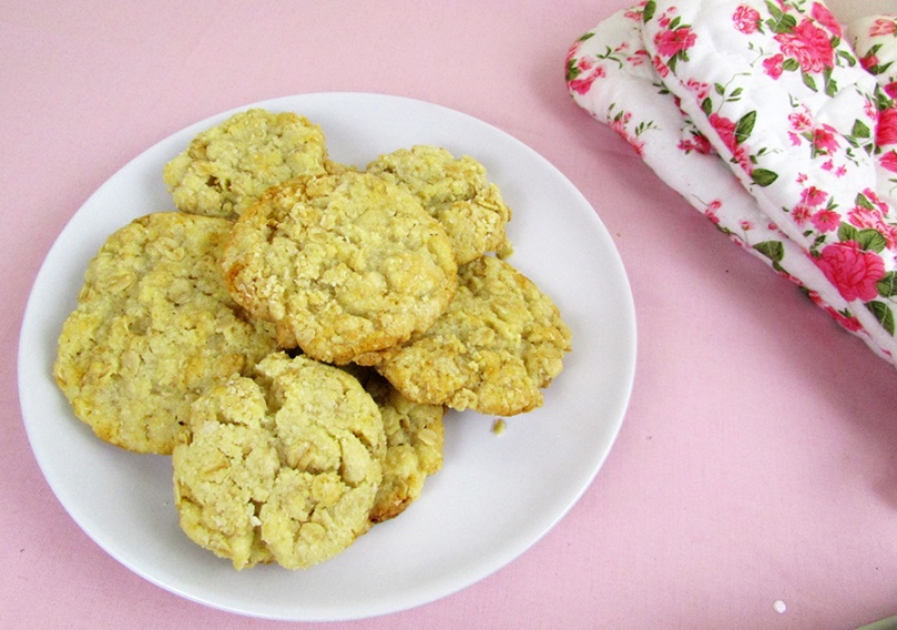 retro baking anzac biscuits the small adventurer