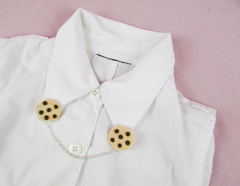 try choc chip cookies collar clips thesmalladventurer.jpg