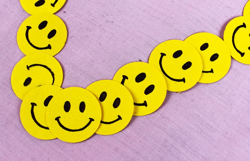 smiley face confetti thesmalladventurer diy project