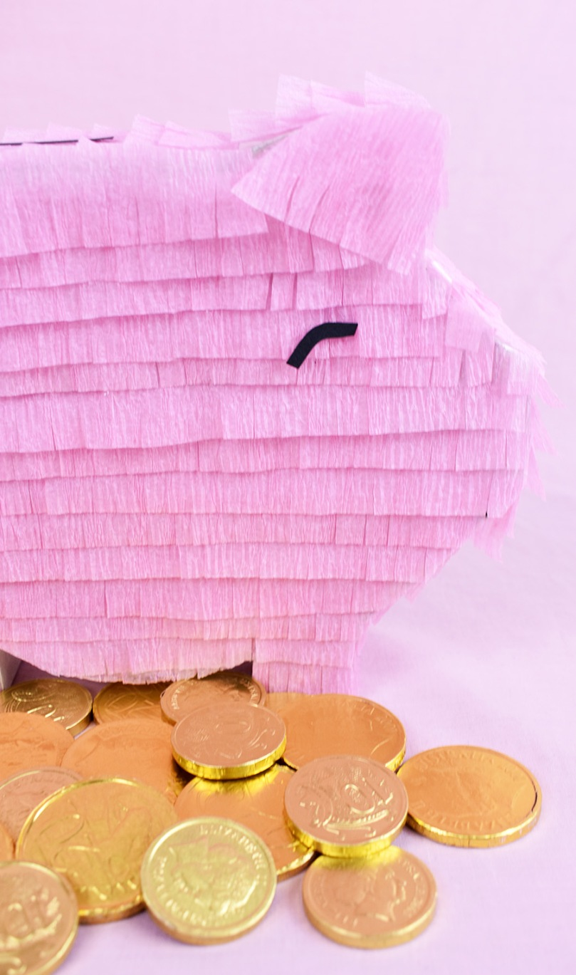 diy project piggy bank pinata thesmalladventurer
