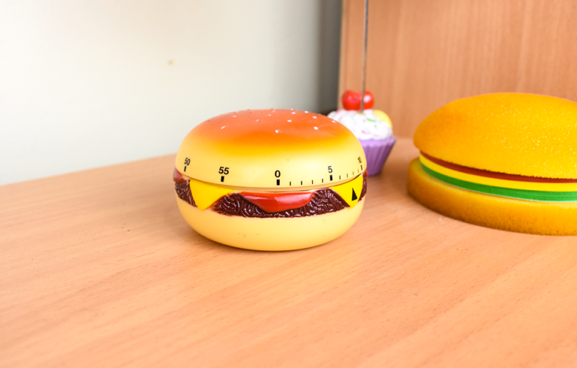 burger sticky notes timer home office thesmalladventurer