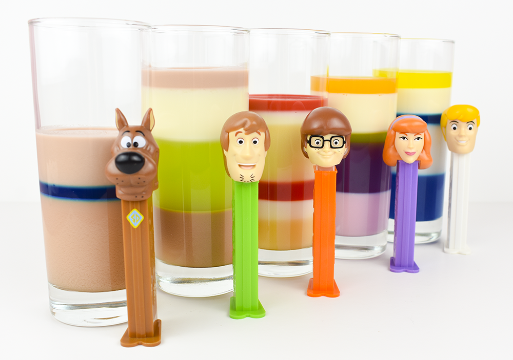 This image has an empty alt attribute; its file name is scooby-doo-pez-dispensers-jello-jelly-cups-thesmalladventurers.png